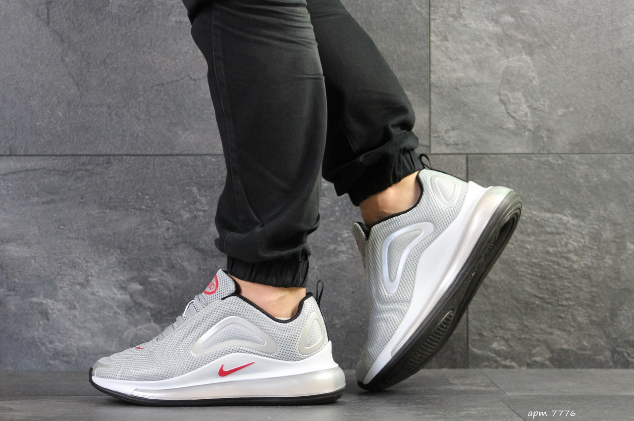 Мужские кроссовки Nike Air Max 720 (светло-серые)