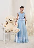 Нежное детское платье с широким поясом и кружевным подолом юбки