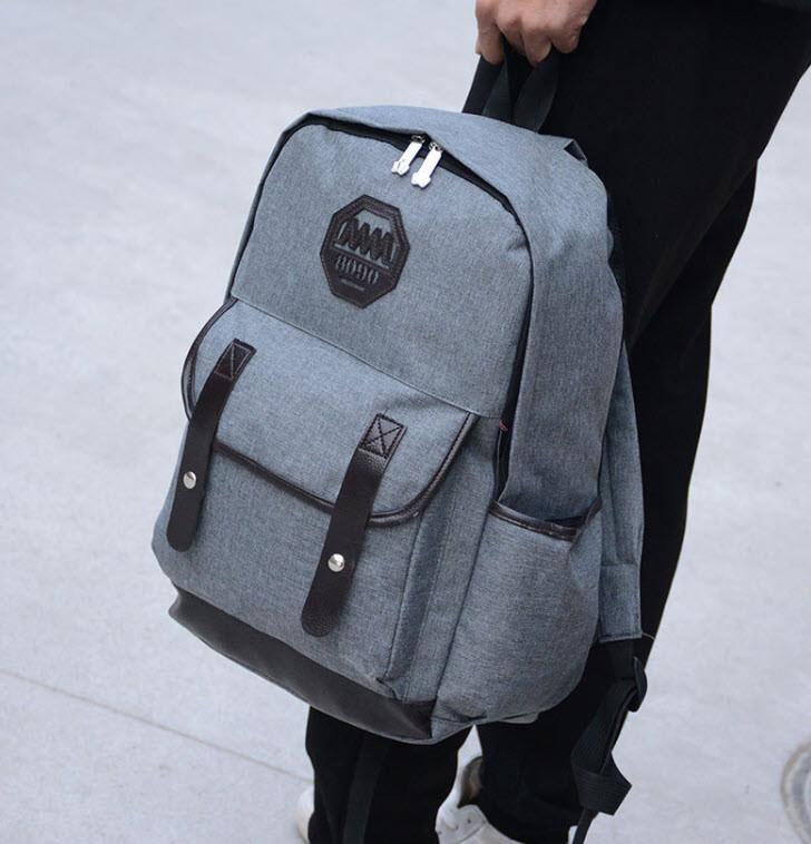 Большой вместительный мужской рюкзак