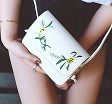 Нежная сумка клатч с вышивкой цветов, фото 2