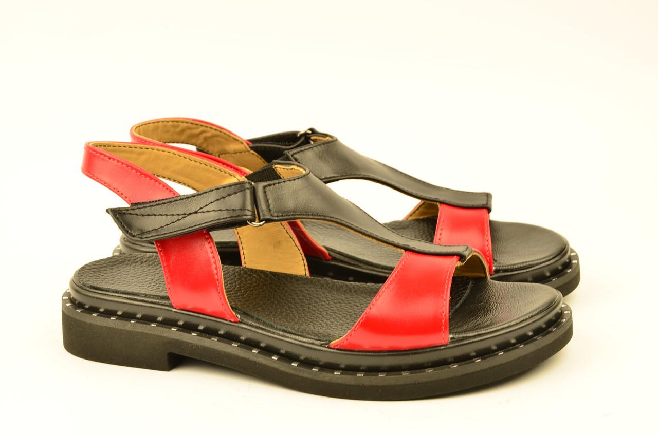Женские босоножки сандалии низкий ход красные из кожи и замши от производителя KARMEN