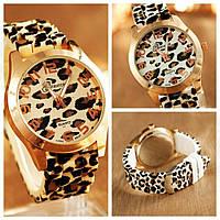 Леопардовые часы