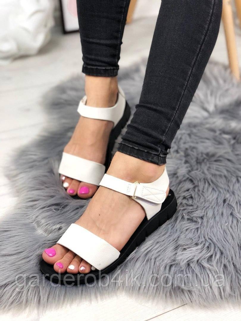 Женские сандалии белые