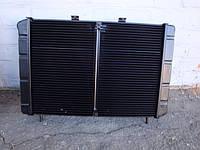 Радиаторы водяного охлаждения двигателя на легковые , грузовые автомобили и трактора