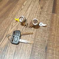 Личинки (сердцевины) замок двeри Toyota Corolla (E10)  07.1992 - 12.1997