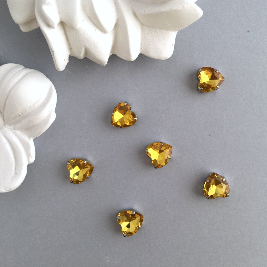 Кристаллы Сердечки 10 мм в оправе. Цвет: Golden yellow(Желтое золото)