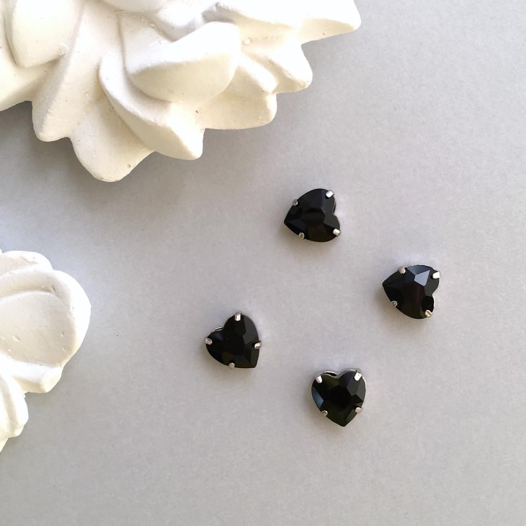 Кристаллы Сердечки 10 мм в оправе. Цвет: Black(Черный непрозрачный)