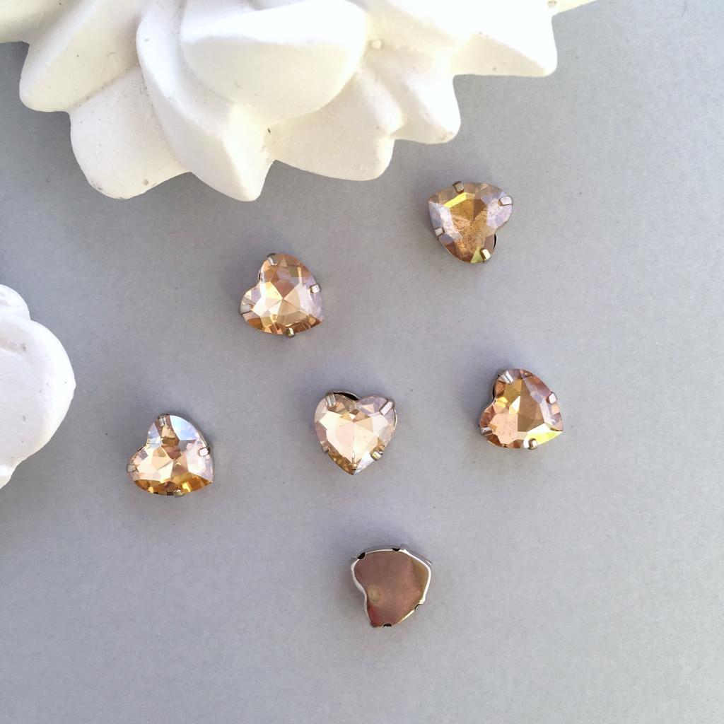 Кристаллы Сердечки 10 мм в оправе. Цвет: Champagne(Шампань)
