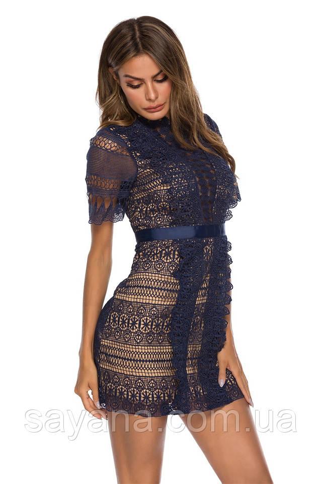 женское платье из набивного кружева