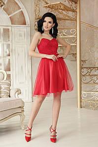 Красное женское платье в стиле Бэби долл с открытыми плечами