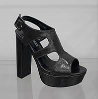 Бронзовые женские босоножки с платформой на очень высоком каблуке