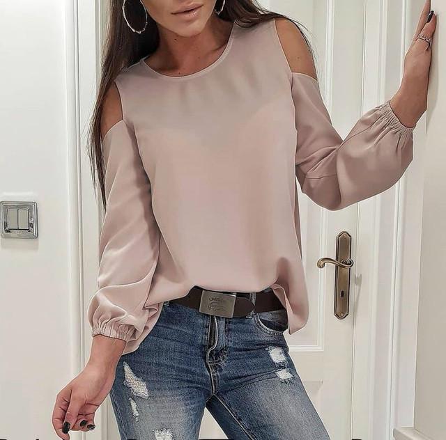 Блуза с открытыми плечами шелковая