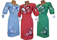 Льняное вышитое платье с растительным орнаментом в украинском стиле «Розы»