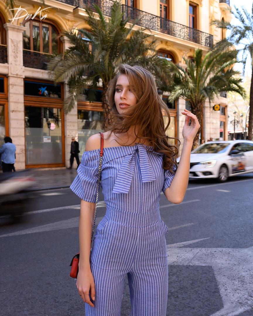 Красивый  Комбинезон с карманами  42, 44, 46  Цвет на фото