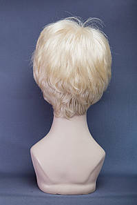 Короткий парик №17.Цвет классический блонд