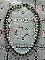 Нежное колье из натуральных камней (белый агат, нефрит и розовый кварц)