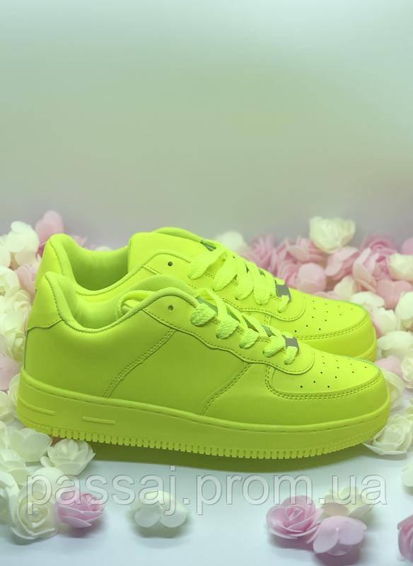 Желтые оригинальные кроссовки