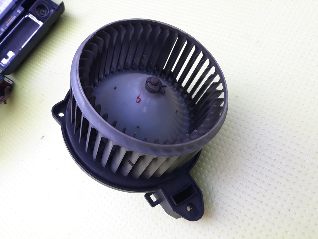 Моторчик вентилятор печки audi a6 c5 ауди а6 с5 4b1820021 0130111202