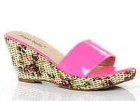 Модные женские шлепанцы на платформе розового цвета!, фото 1