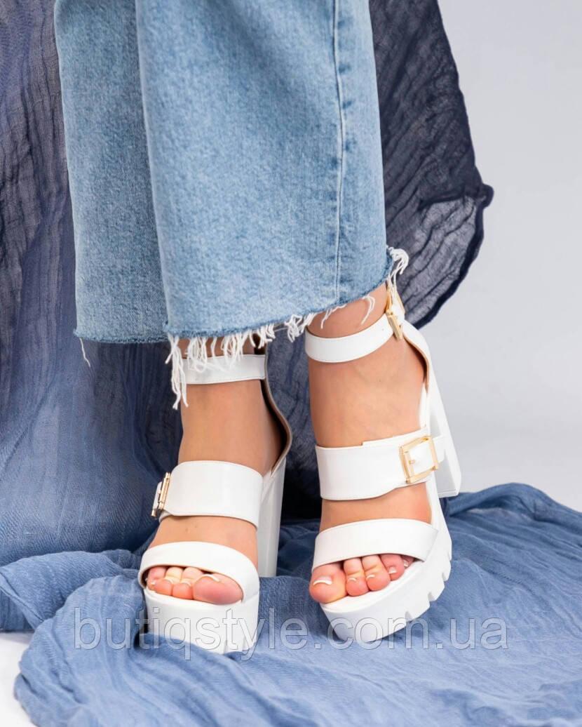 37,38,39 размер Женские белые босоножки на платформе и каблуке эко-кожа с пряжками