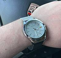 Часы Gucci D1629 серебристые