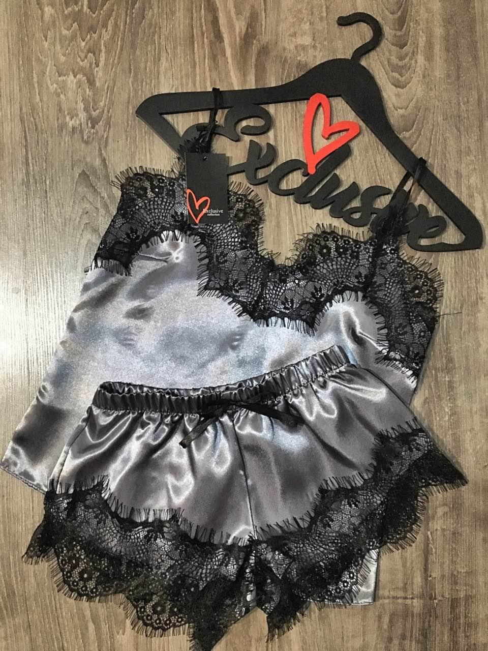 Модная атласная пижама с черным кружевом, майка и шорты