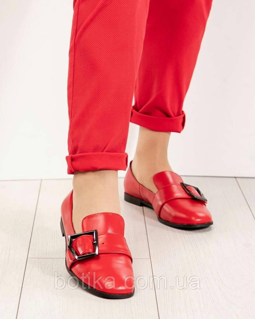 Стильные кожаные красные женские туфли из итальянской кожи с пряжкой