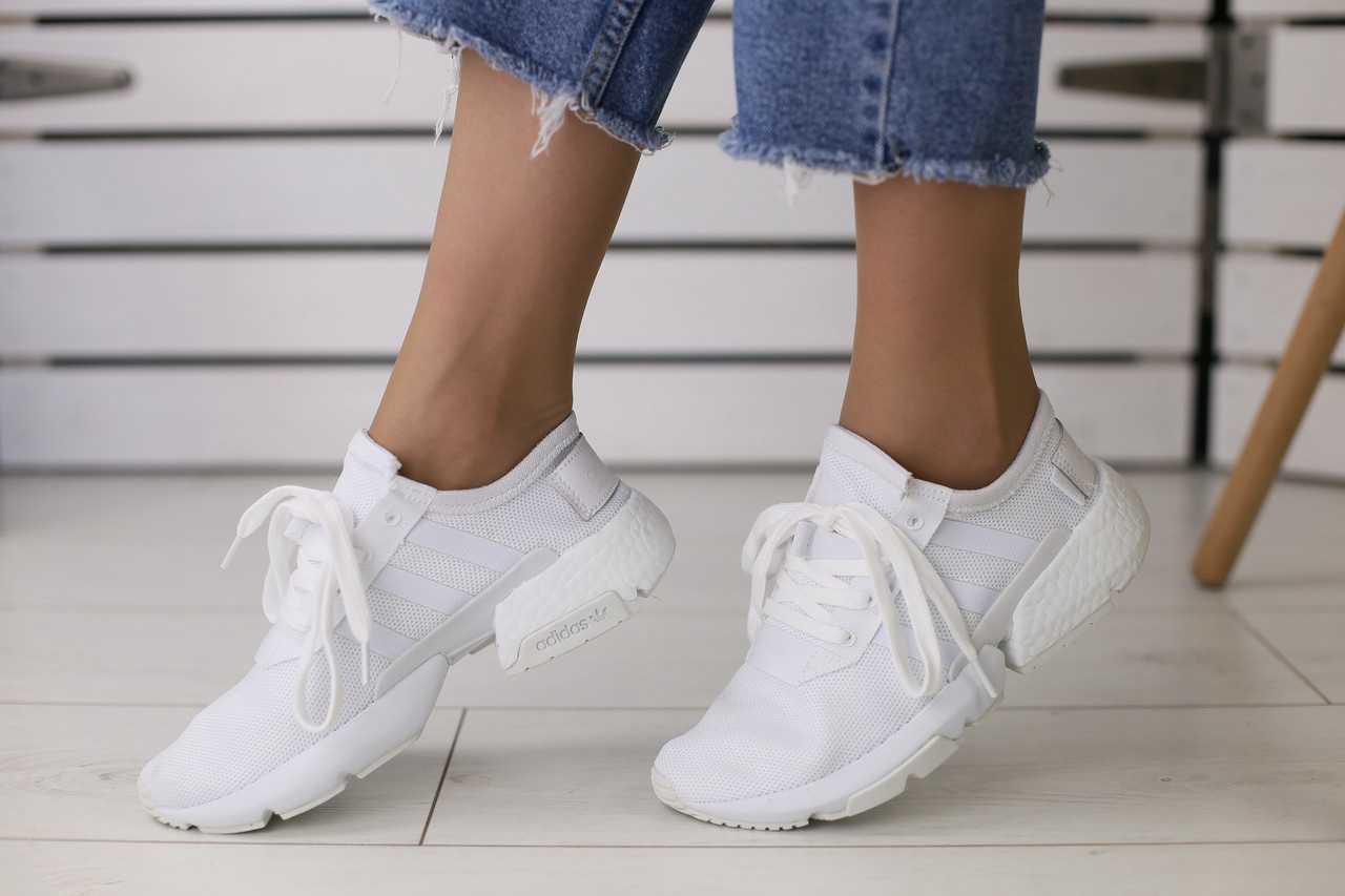 Женские летние кроссовки Adidas в сеточку удобные молодежные в белом цвете, ТОП-реплика