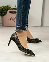 Туфли с пряжкой  с тиснением, фото 1