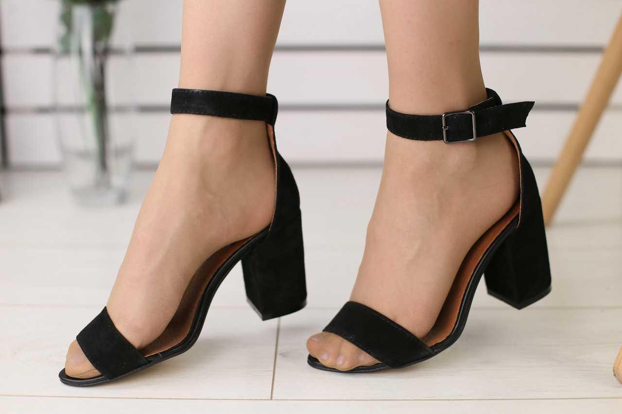 Босоножки женские замшевые классические на высоком каблуке с открытым носком (черные)