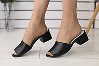 Кожаные женские шлепанцы на толстом каблуке с открытым носком (черные), фото 1