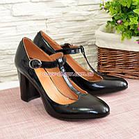 Туфли женские лаковые на устойчивом каблуке, цвет черный
