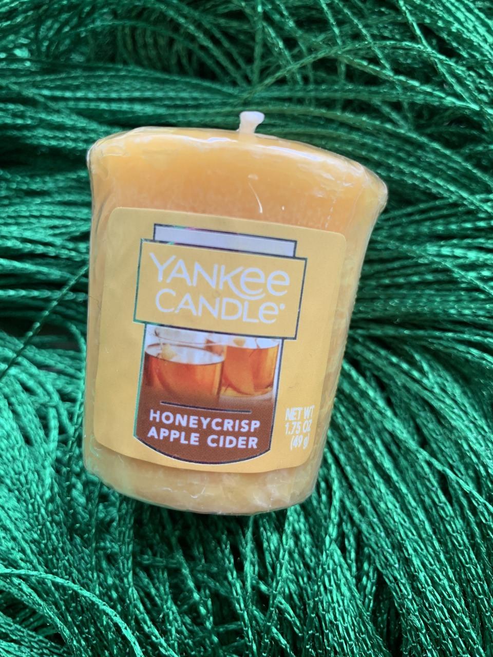 "Аромосвеча Yankee candle "" Медово-яблочный сидр"""