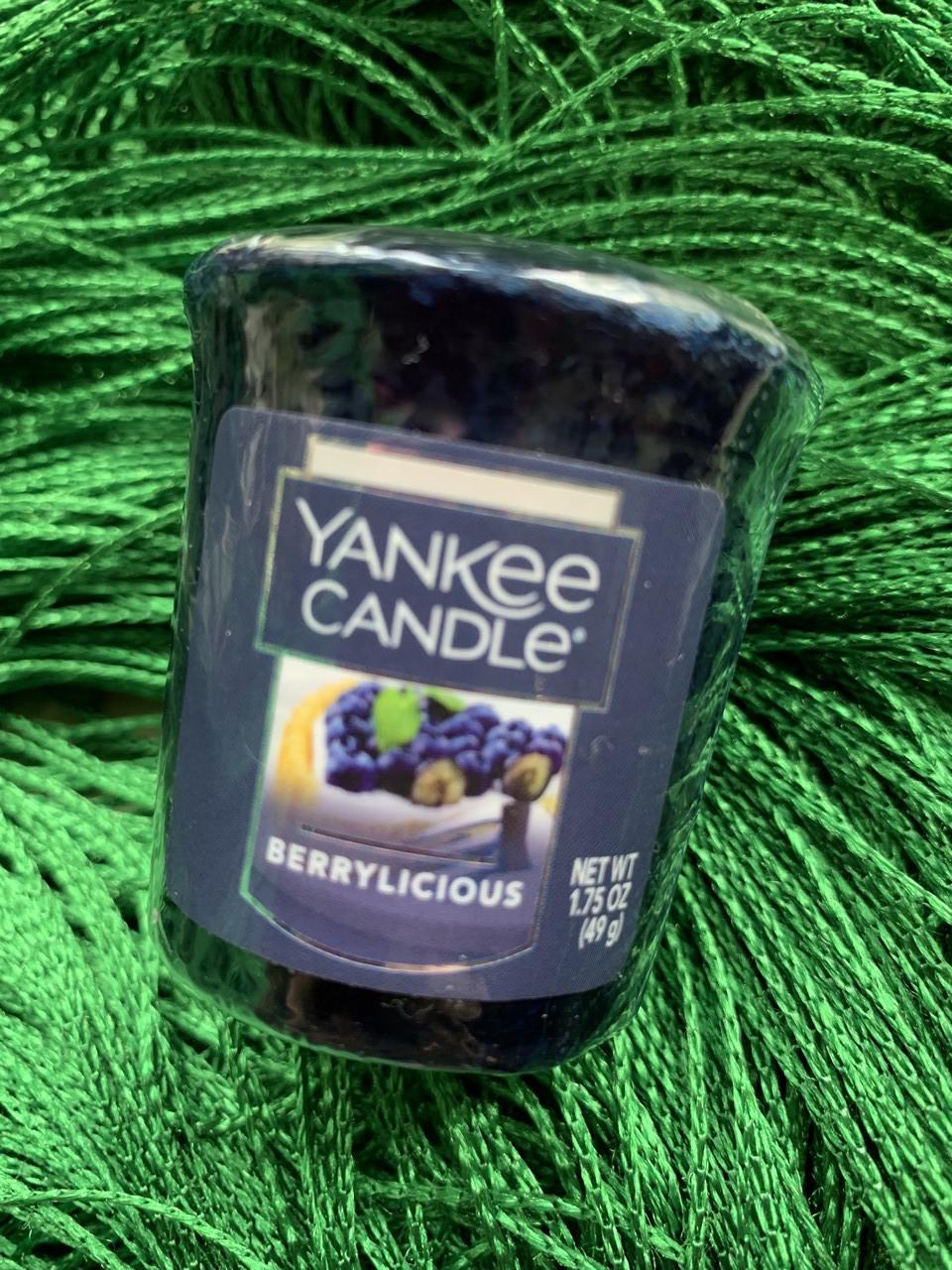 "Свеча ароматическая ""Ликер"" Yankee Candle"