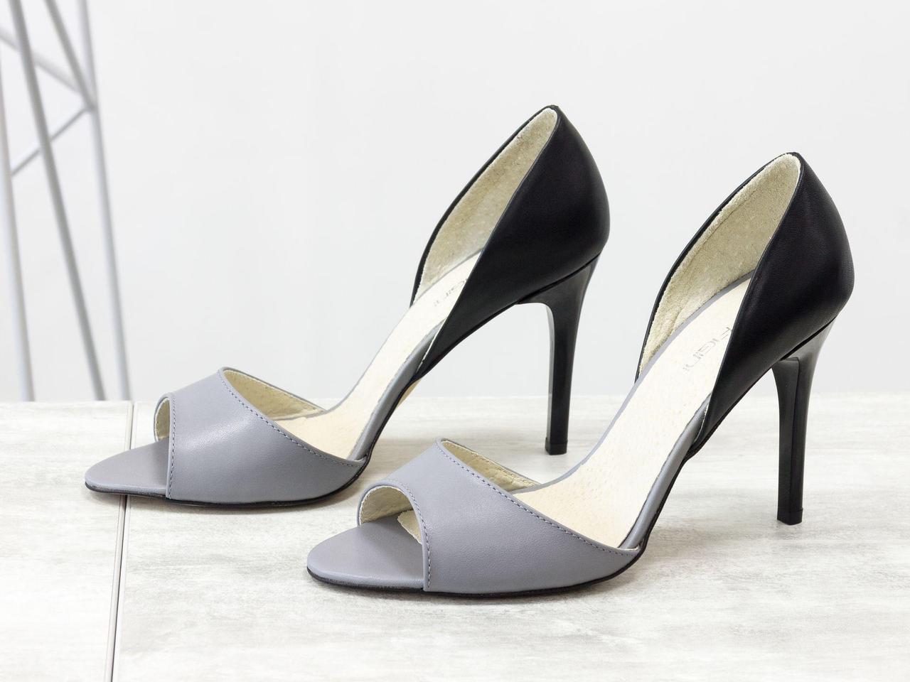 Летние туфли с открытым носиком из натуральной кожи серого и черного цвета на каблуке - шпилька