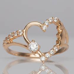 Золотое кольцо сердце с фианитами. ГП21149