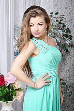 Легкое вечернее платье с украшением на плече, фото 2