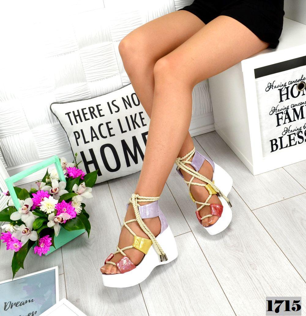 Женские кожаные босоножки на шнуровке