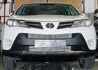 Декоративно-защитная сетка радиатора Toyota RAV4 2013- бампер, фото 1
