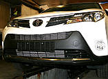 Декоративно-защитная сетка радиатора Toyota RAV4 2013- бампер, фото 4