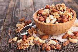 Ассорти сырых орехов (миндаль, кешью, фундук, грецкий орех)