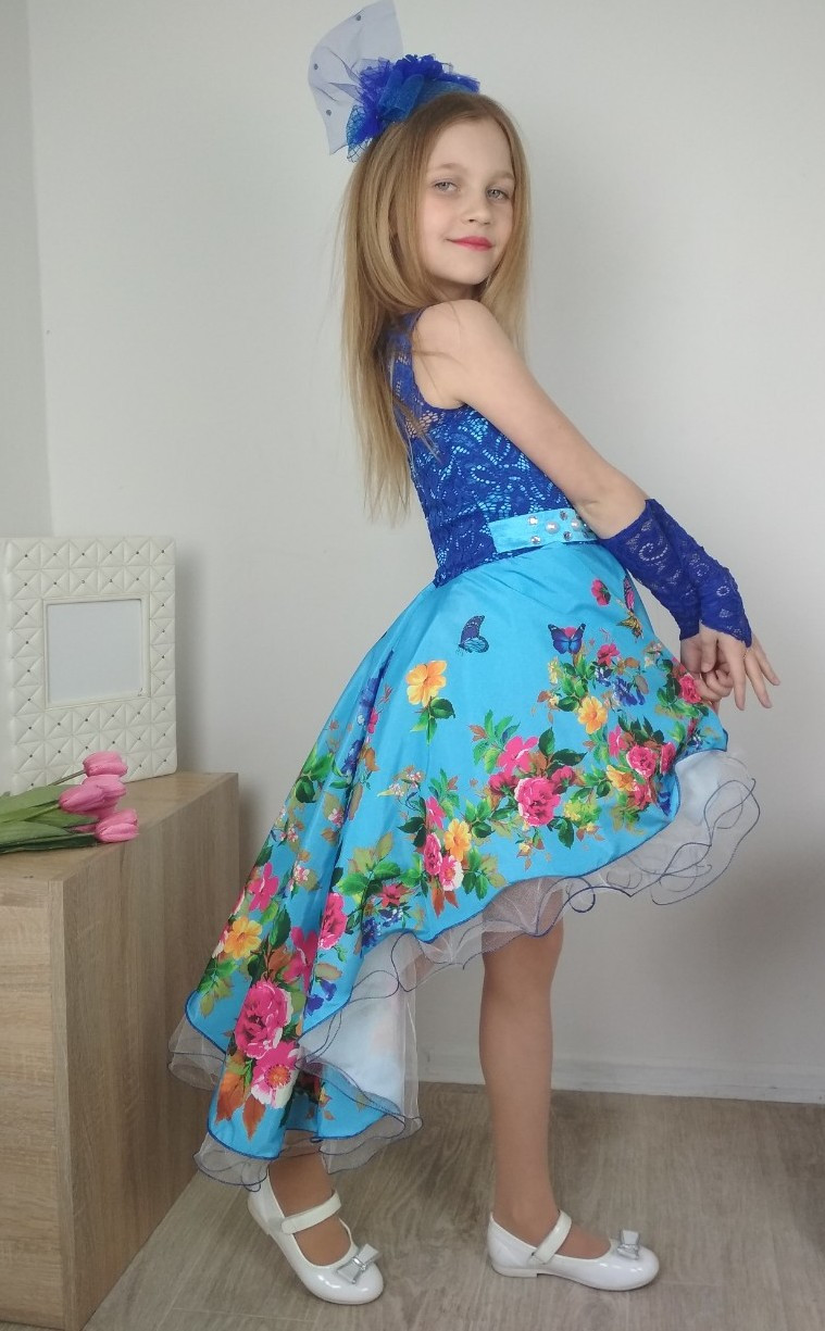 Ошатне дитяче блакитне плаття зі шлейфом і квітковим принтом 4-10 років