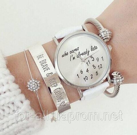 Фото Дизайнерская модель женских наручных часов