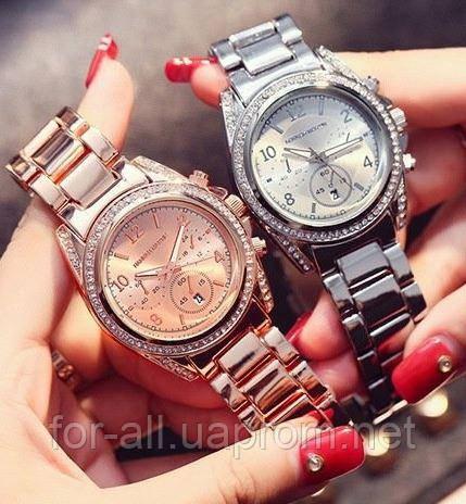 Фото Унисекс модель женских наручных часов