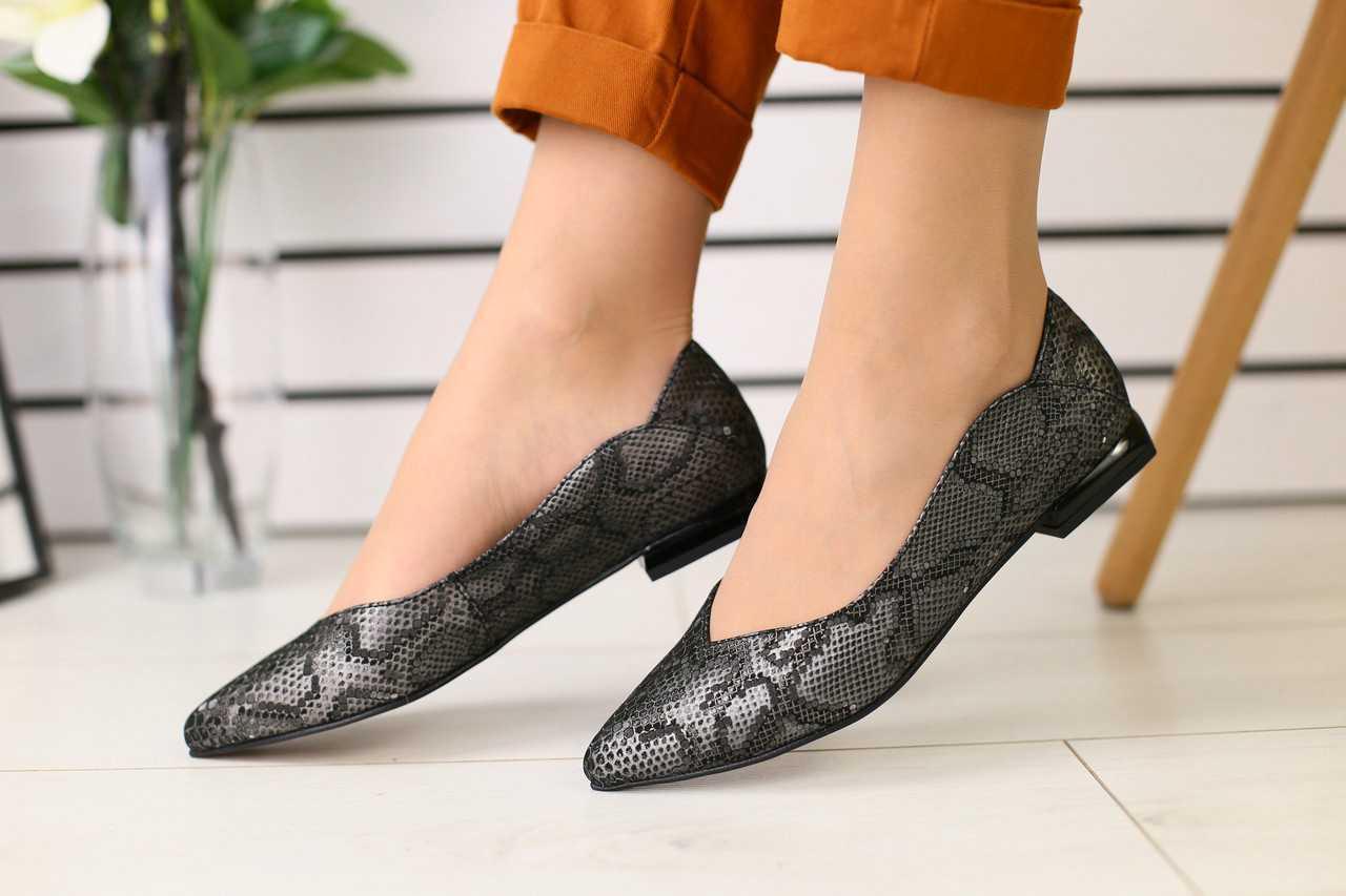 Женские балетки летние классические стильные качественные на маленьком каблуке (черные)