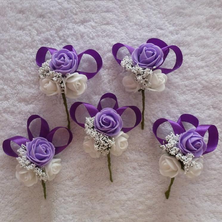 Бутоньєрки у фіолетовому кольорі