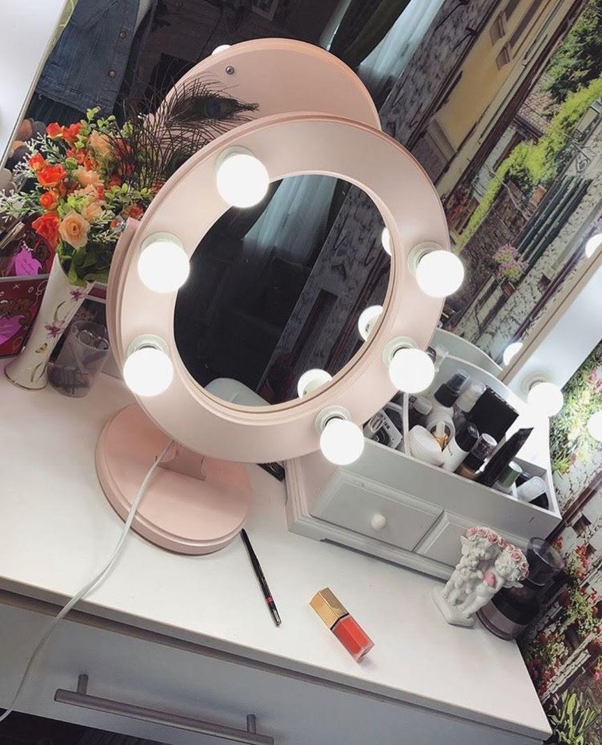 Зеркало для макияжа с лампочками розовое Star