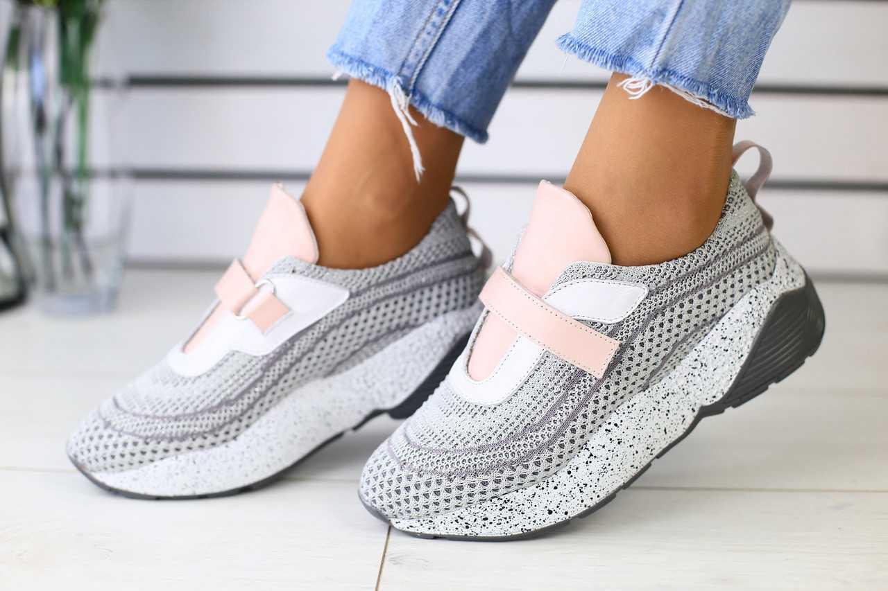 Стильные женские кроссовки из сетки спортивные легкие для тренировок на липучке (серые)