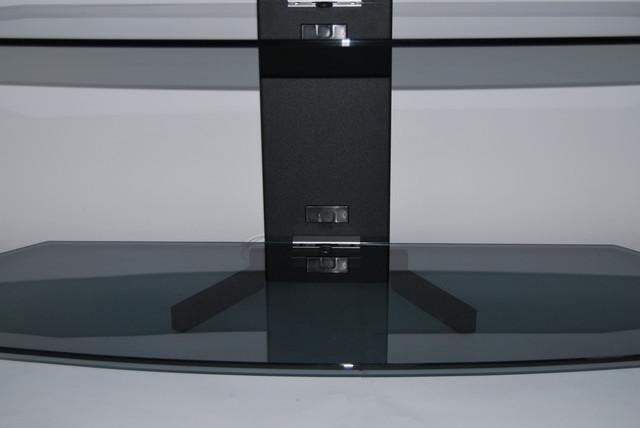 Оптимальні розміри і висота поличок забезпечують зручне і різноманітне їх використання