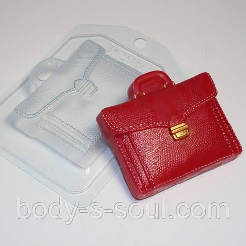 Пластиковая форма для мыла портфель кожаный